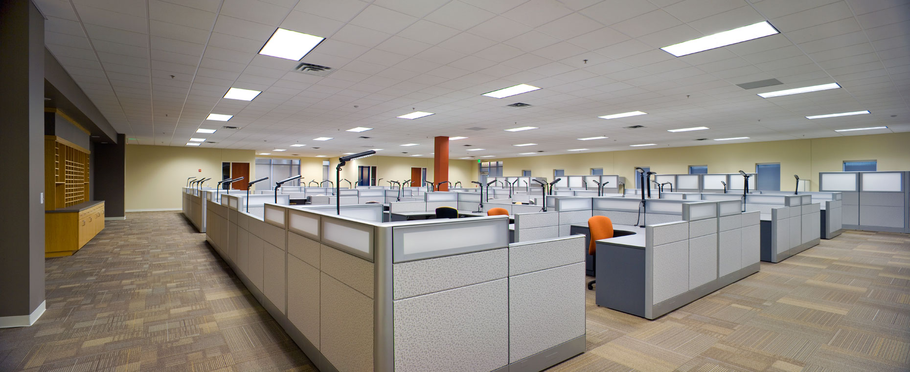 Large open office panorama at Mitsubishi in Fort Smith, Arkansas