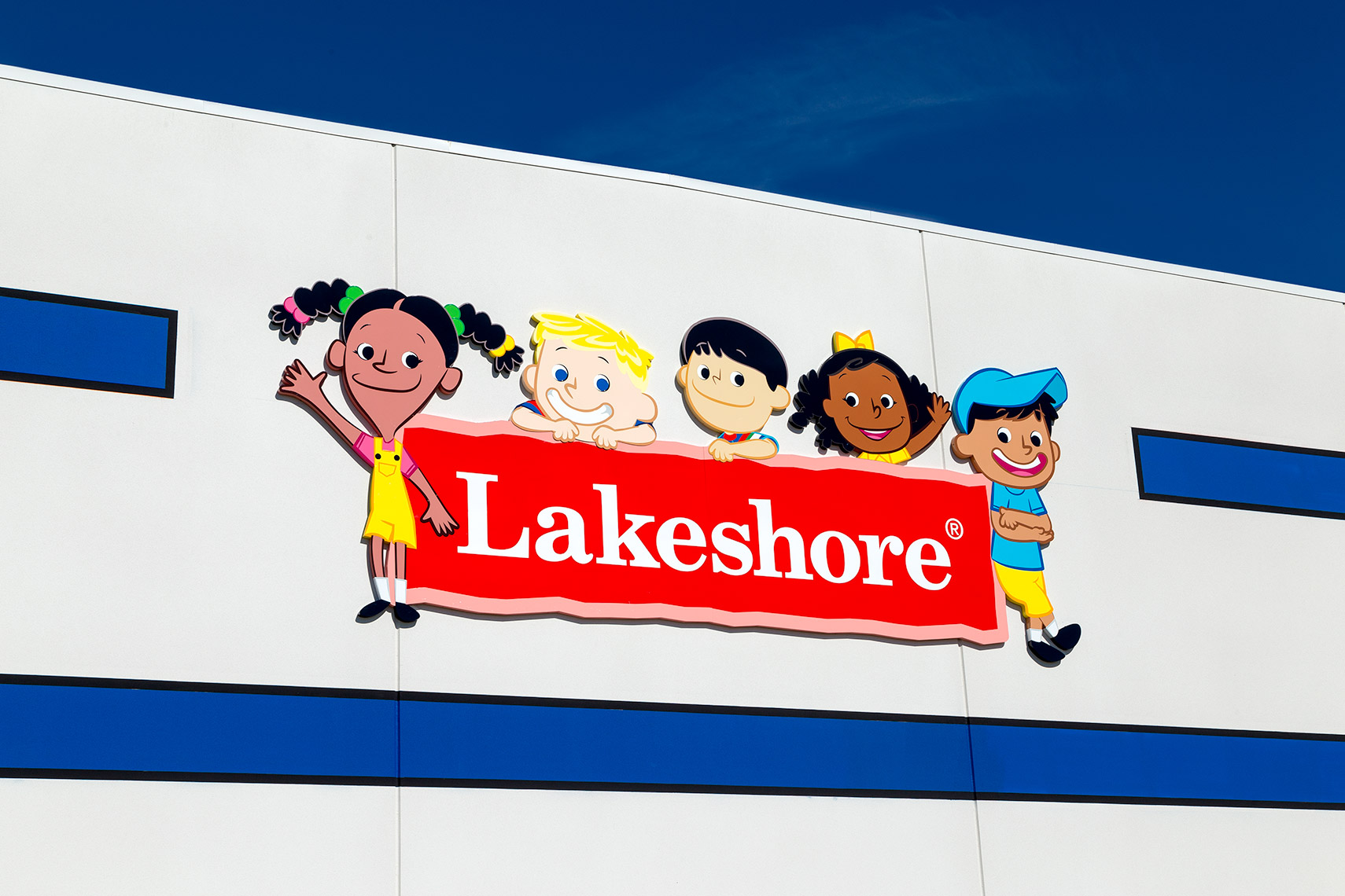 "closeup of main facade signage at ""lakeshore learning"""